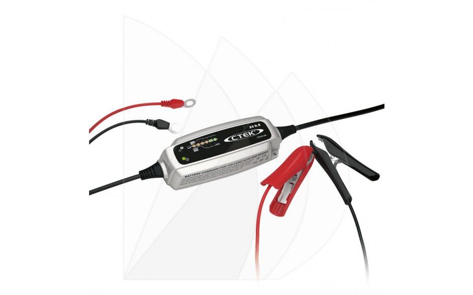 56-707 Cargador de baterías XS 0.8 EU. Perfecto para cargar las baterías de 12 V más pequeñas que se instalan en motocicletas, motos acuáticas, vehículos todoterreno y cortacéspedes.